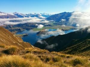 Imagen de portada : Vistas a medio camino de la cima del Mount Roy
