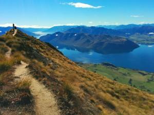 Imagen de portada: Vistas de los lagos desde el Mount Roy